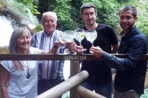 Neix Ginatge, una ginebra feta amb aigua de les Fonts del Llobregat i botànics de la zona