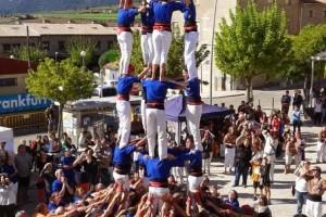 Els Castellers de Berga descarreguen a Avià el seu tercer 5 de 7