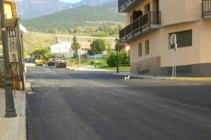 Bagà asfalta carrers i renova material esportiu del pavelló