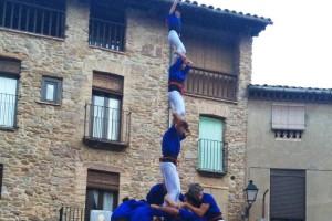 Els Castellers de Berga tanquen temporada descarregant el seu primer 3 de 7 amb agulla