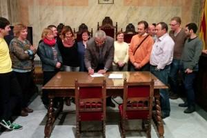 CiU de Berga i els regidors no adscrits signen la denúncia ciutadana contra l'Estat per vulnerar el dret a decidir