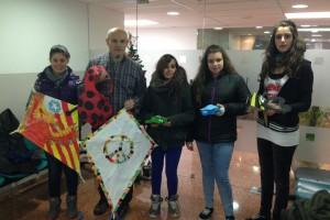 Alumnes de secundària del Serra de Noet, de Berga, donen treballs a infants ingressats a l'hospital