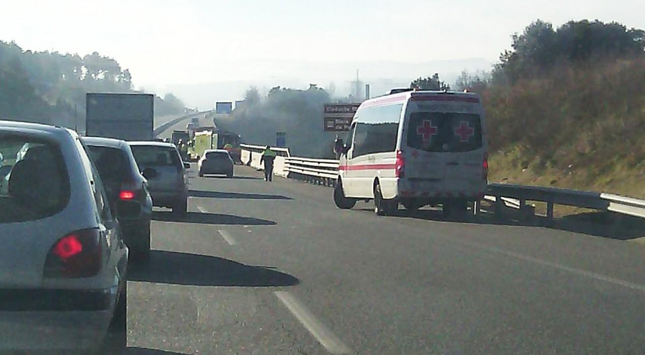 Un vehicle s'accidenta a l'autovia C-16 entre Cal Rosal i Gironella