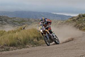 Marc Coma acaba l'etapa en segon lloc i retalla distància a Barreda