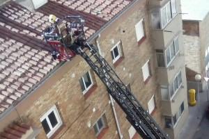 El vent obliga a Bombers a fer 25 sortides al Berguedà, sent la més destacada la caiguda d'un mur a Berga