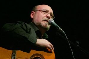 El cantautor Miquel Pujadó repassa la història de la poesia i cançó catalanes en un acte a Berga