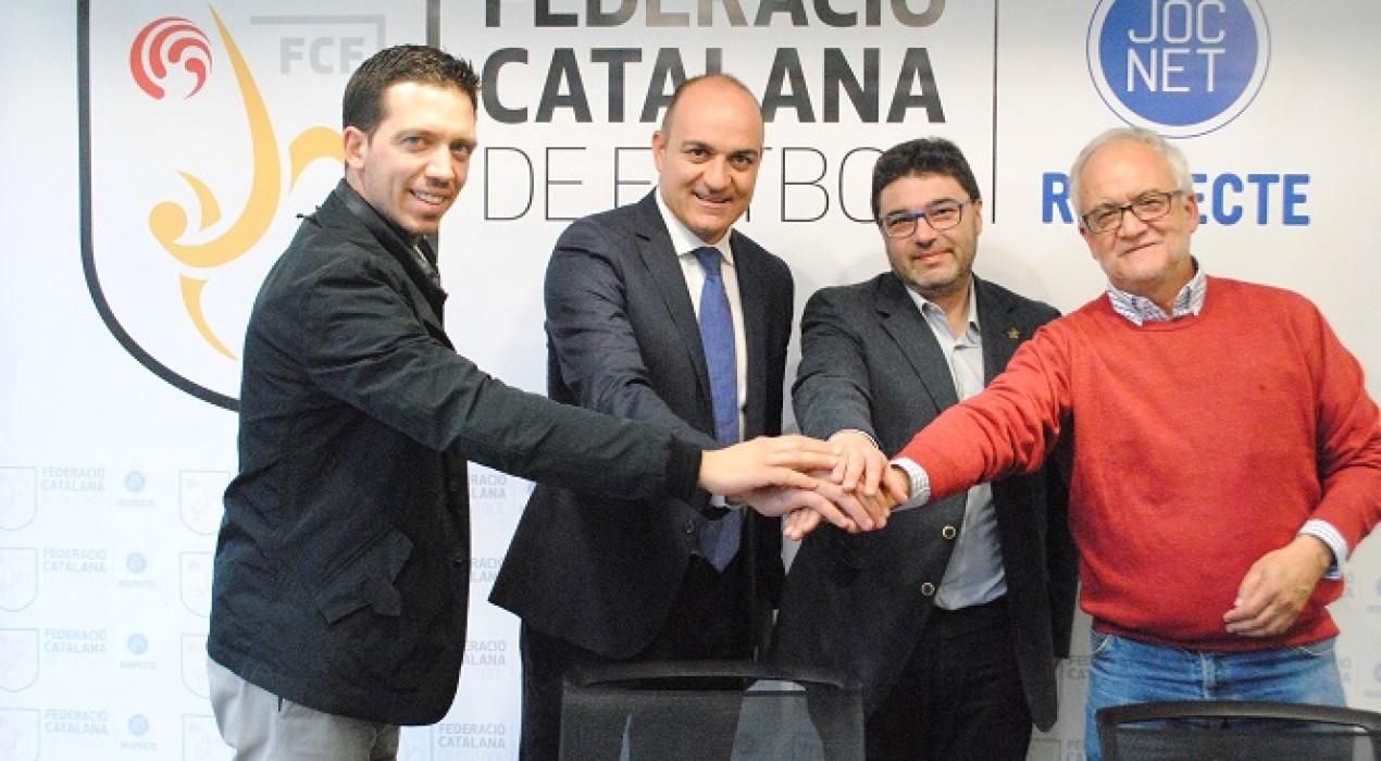 Avià signa amb la Federació Catalana de Futbol un acord de col·laboració per a l'ús del camp municipal