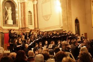 La Coral de l'Escola Municipal de Música de Berga presenta l'Stabat Mater de Joseph Haydn en el tradicional concert de Setmana Santa