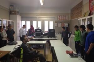 Les entitats i els professionals de diversitat funcional de la comarca visiten la USEE de l'Escola La Salle i demanen més recursos