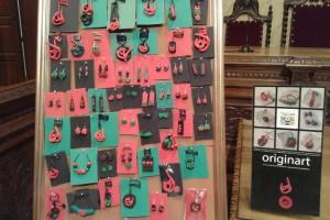 El Taller Coloma i l'artista berguedana Eva Garcia presenten la col·lecció 'Articles de bijuteria de La Patum', fets amb argila polimèrica