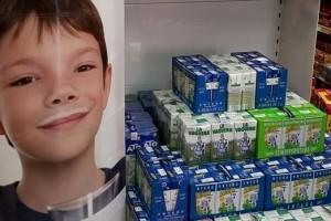 Ca l'Armenter de Casserres se suma a la campanya 'Cap Nen Sense Bigoti' i recull més de 70 litres de llet durant el matí de fira de diumenge