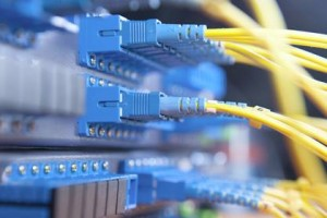 Un nou tall en un cable de fibra òptica afecta el servei d'internet i telèfon al Berguedà