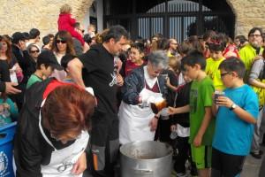 Queralt reparteix 260 litres de xocolata en una multitudinària jornada de Sant Marc amb la vista ja posada al Centenari