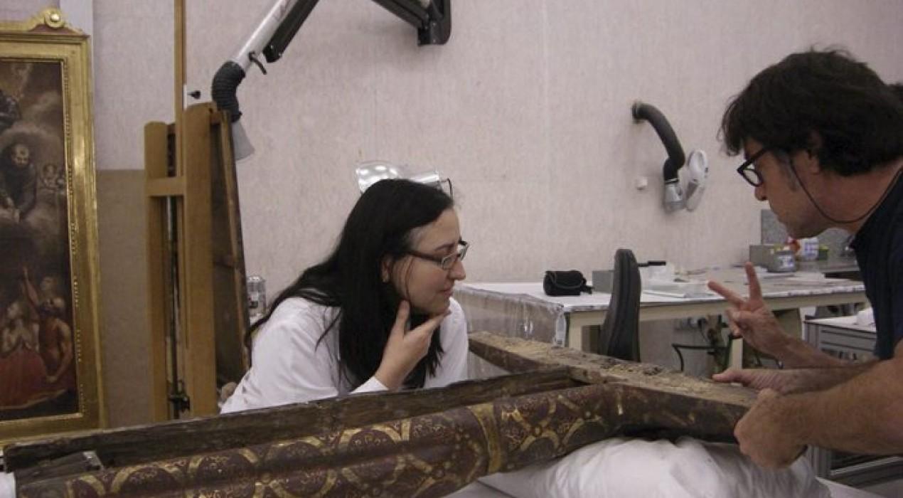 Finalitza la restauració de la talla romànica del Crist que es conserva a l'església de Santa Maria de la Pobla de Lillet