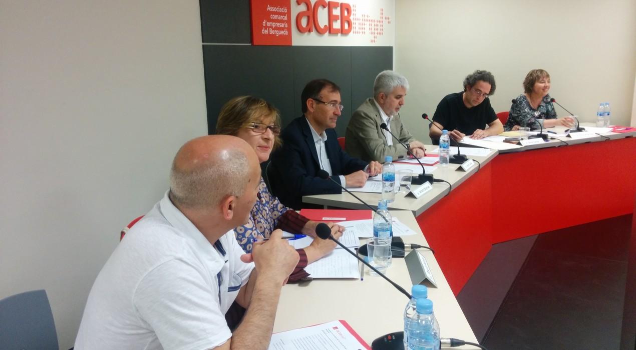 Els candidats a l'alcaldia de Berga discuteixen les propostes econòmiques del sector empresarial