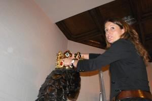 L'Àliga de la Patum reestrena la seva corona, restaurada i daurada