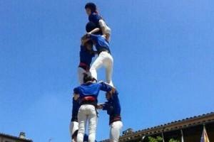 Els Castellers de Berga actuen a Santpedor en el primer aniversari de la colla amfitriona