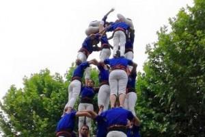 Els Castellers de Berga celebren el seu 3r aniversari amb èxit i asseguren que han encetat el camí per descarregar castells de 8
