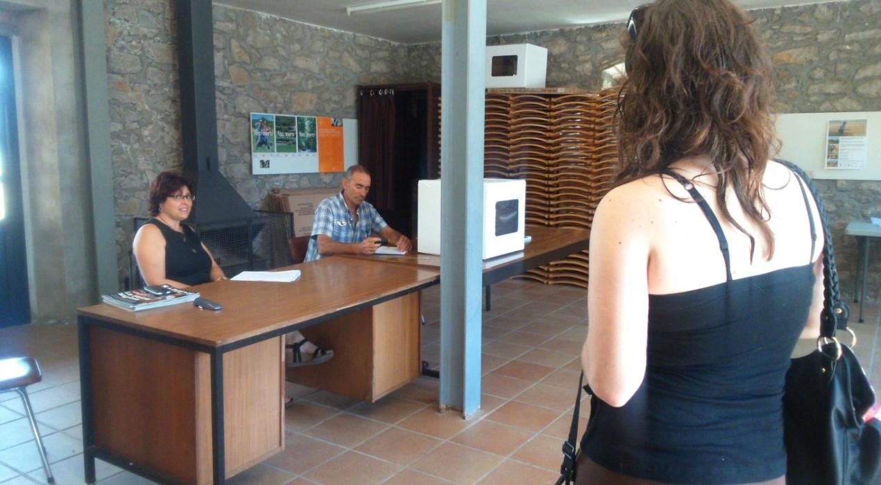 Santa Maria de Merlès es queda al Berguedà i vota majoritàriament que 'No' al Lluçanès