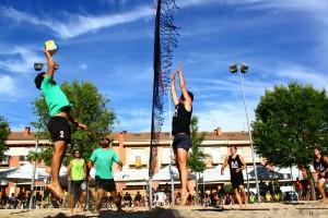 Èxit de participació al torneig de Voleibol Platja de Berga 2015