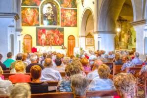 La parròquia de Borredà estrena il·luminació i col·loca vidres a les portes interiors de l'església per fer-la visible tot l'any