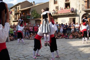 Gósol espera un intens cap de setmana de festa major amb correfoc i el tradicional Ball de les Cosses