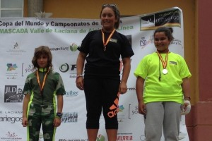 Aura Coronado, de 10 anys i de Castellar de n'Hug, guanya dues medalles de bronze als Campionats d'Espanya d'Alpí Inline
