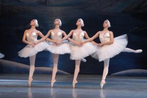 Les ballarines caminen de puntetes