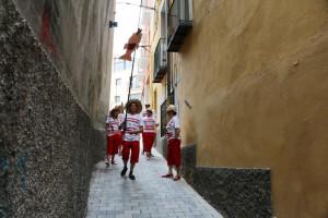 El Carrer Major de Berga s'omple de públic i activitats sota el lema 'Estem de conya!' i per dinamitzar una de les artèries comercials emblemàtiques de la ciutat
