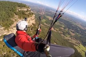 Els parapents de la Copa del Món sobrevolen el Berguedà