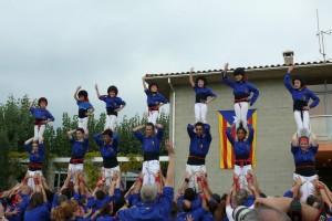 Els Castellers de Berga descarreguen tres castells de set pisos a Avià, en una de les seves millors actuacions