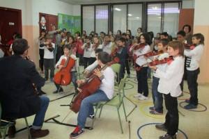 140 alumnes de quatre escoles del Berguedà participen al projecte Superfilharmònics, que porta instruments d'orquestra a les aules