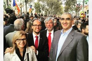 Alcaldes i polítics del Berguedà, i un bus amb unes vint persones, s'han desplaçat a Barcelona per donar suport a Mas