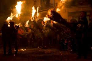 Recuperen el ball dels aranyons de la Fia-faia, a l'espera que la festa sigui declarada Patrimoni de la Humanitat