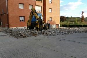 Reparen el paviment de la plaça de Santa Eulàlia, a Berga