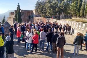 Una visita guiada al Castell de Berga atrau més de vuitanta persones