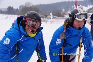 Ana Selvi, esquiadora discapacitada visual, i la seva guia Ester Noguera, de Casserres, busquen recursos pels Jocs Paralímpics