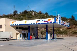 La gasolinera del Clot de l'Alba, a Puig-reig, torna a estar en marxa després de vuit anys tancada
