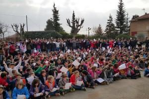 Uns 600 alumnes de Vedruna i la Salle celebren, de Berga, celebren el Dia Escolar de la No Violència i la Pau