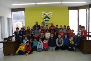 Alumnes de l'escola Sant Salvador de Sant Jordi visiten l'Ajuntament de Cercs