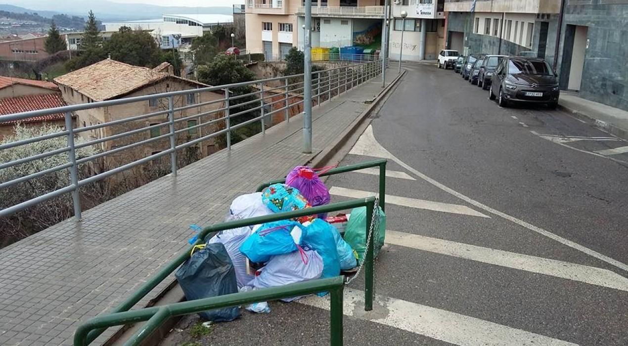 L'Ajuntament de Berga reconeix una manca d'informació sobre el canvi de l'ubicació de contenidors