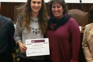 La facultat de Farmàcia premia el treball de recerca de la berguedana Laia Borrellas