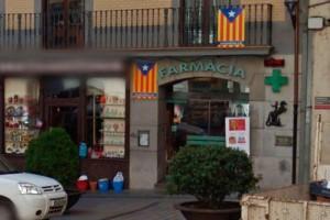 La farmàcia Cosp deixa la plaça de Sant Pere de Berga, que continuarà oberta amb nous propietaris
