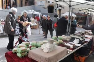 El mercat dels dimecres a Berga arrenca amb bones expectatives