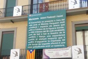 Berga penja a la plaça de Sant Pere un microconte d'Antoni Pladevall