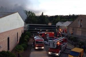 S'incendia una fàbrica tèxtil de l'Ametlla de Merola