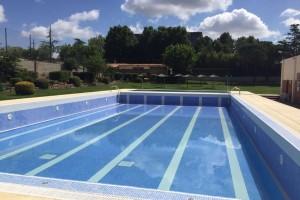 Prats de Lluçanès remodela la piscina