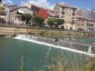 Fent surf al riu Llobregat, a Gironella