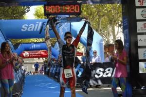 L'osonenc de 24 anys Erik Merino guanya la Sailfish de Berga