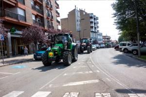 Unió de Pagesos omple Berga de tractors per reivindicar-se contra les retallades al primer sector
